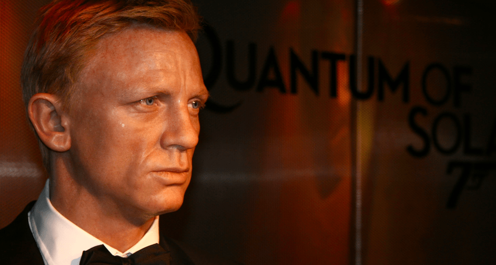alea-quiz-quel-james-bond-interprete-par-daniel-craig-suit-casino-royale