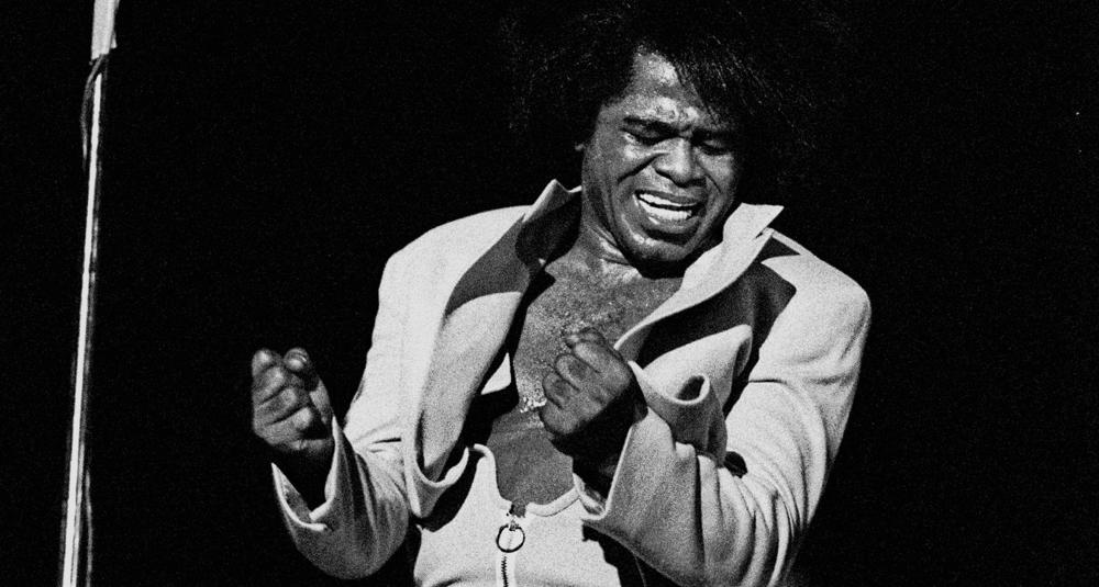 alea-quiz-quelle-chanson-engagee-du-chanteur-americain-james-brown-soutient-la-communaute-afro-americaine