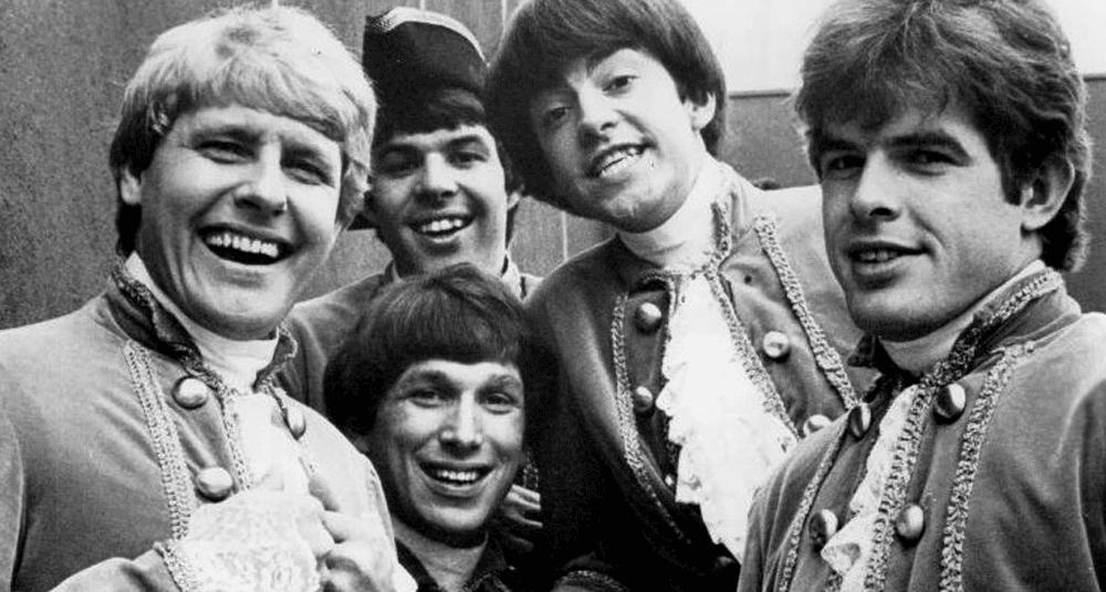 alea-quiz-quel-album-du-groupe-paul-revere-and-the-raiders-est-certifie-disque-d-or-par-la-riaa-en-1967