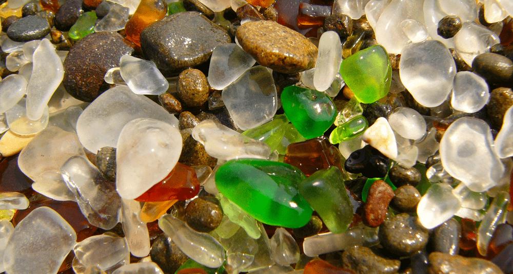 alea-quiz-dans-quelle-ville-californienne-se-situe-le-plage-de-glass-beach