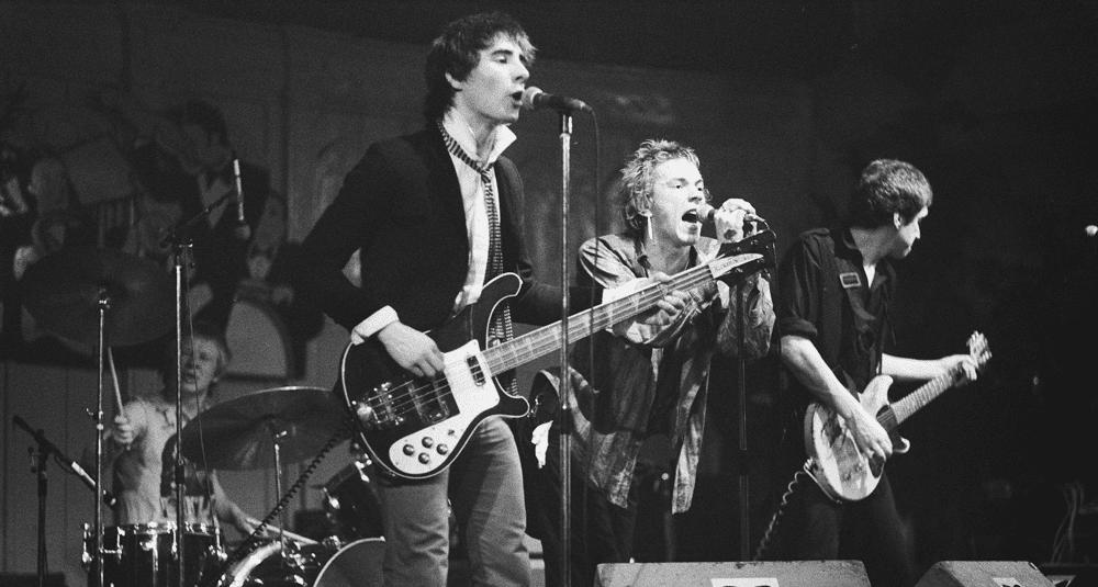sur-quel-album-du-groupe-de-punk-rock-britannique-sex-pistols-la-chanson-anarchy-in-the-uk-figure-t-elle