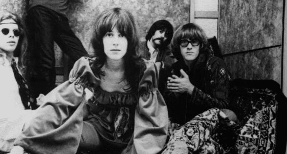 sur-quel-album-du-groupe-de-rock-americain-jefferson-airplane-la-chanson-white-rabbit-figure-t-elle